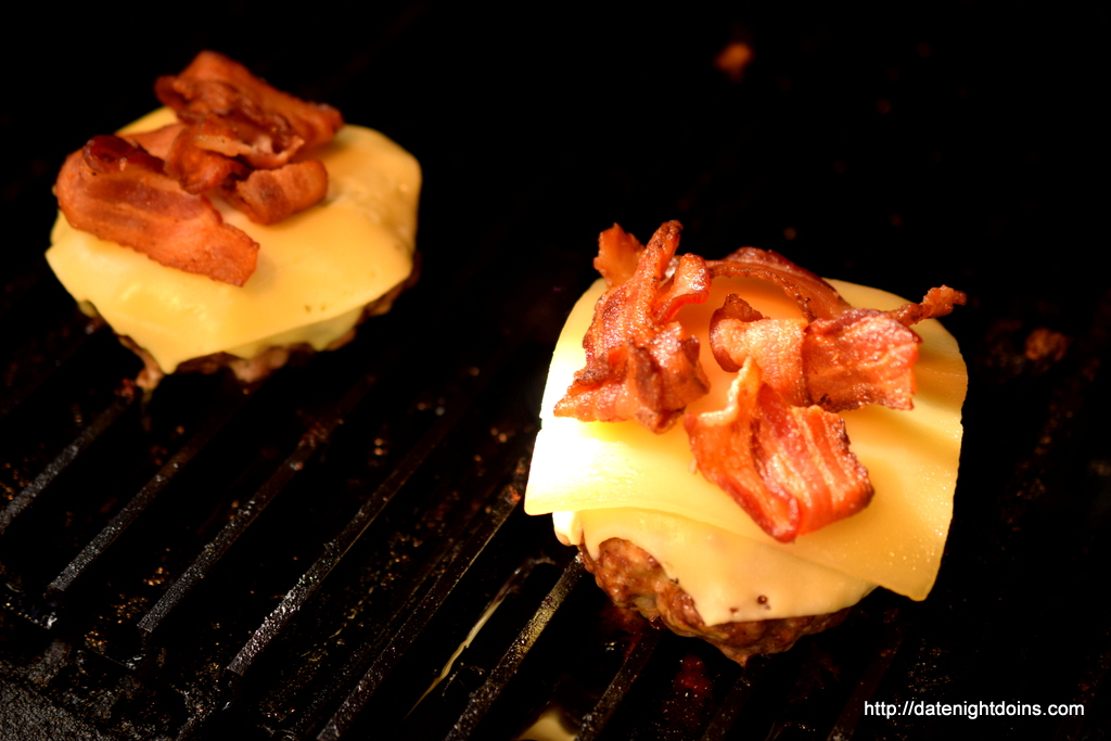 Lotta of Cheese Cheese Burger, wood pellet, grill, BBQ, smoker, recipe